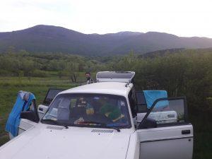 In der Nähe von Bihac, vor den Bergen Bosniens